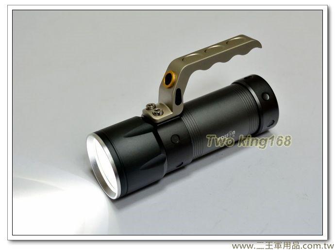 超亮手提式LED充電式手電筒(附電池及充電器)【EDS-G612】