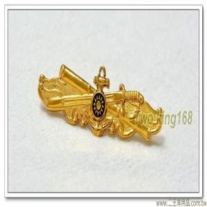 海軍艙面值更官徽章(中)(金色銅質)【bn8-1】